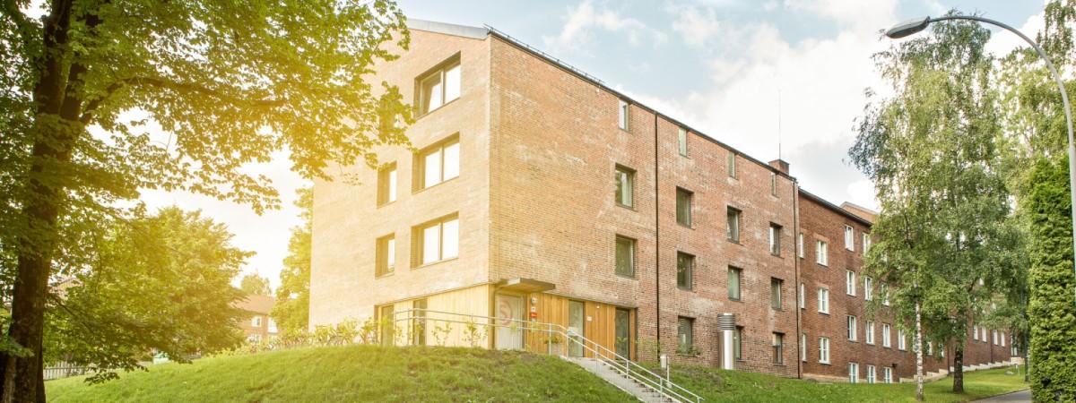 Sogn Studentby har fin arkitektur og grønne omgivelser. Det er kort vei til Sognsvann, Ullevål og UiO.